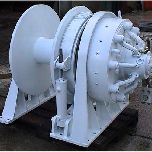 Imenco Bauer hydraulic motor HMJ9 mounted on winch