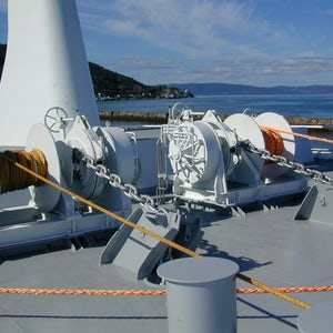 Imenco Bauer Hydraulic motors mounted on winches