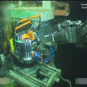 ROV tool for bolt tensioning in use subsea 2