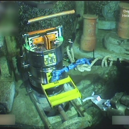 ROV tool for bolt tensioning in use subsea